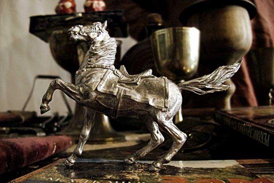 Оловянная-лошадка