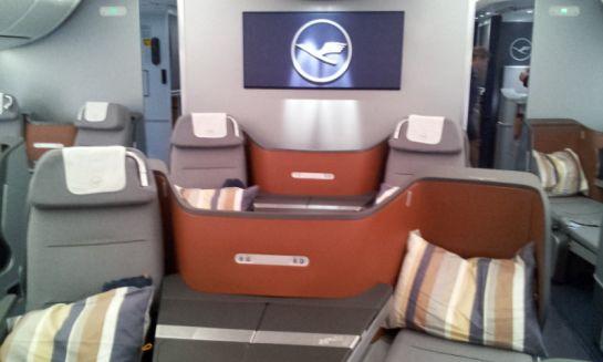 Так выглядит бизнес-класс в самом самолете