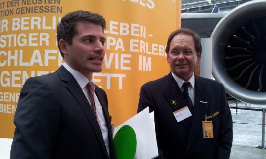 Шеф-пилот (справа) Люфтганзы