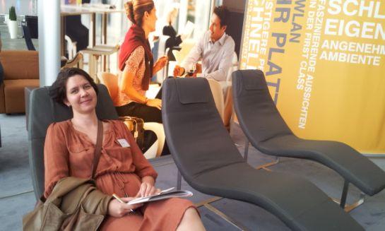 Кресла в зале ожидания бизнес-класса