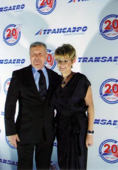 Генеральный директор авиакомпании «Трансаэро» Ольга Плешакова и генеральный директор компании «Трансаэро Турс» Николай Давыдов