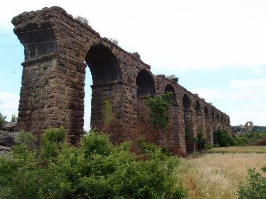 Древнеримский-акведук-в-Аспендосе,-Турция