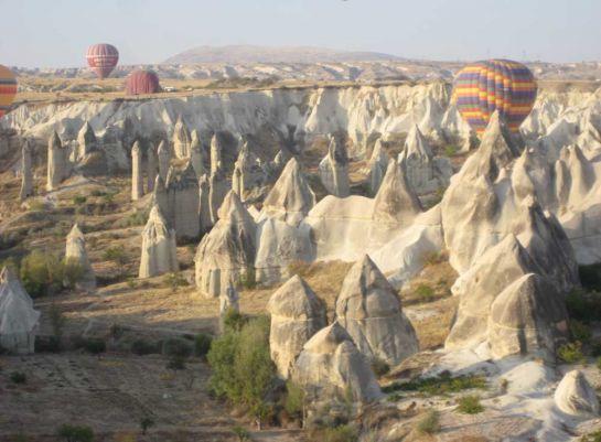 Долина-пенисов-в-Каппадокии,-Турция