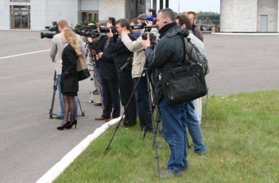 Журналисты встречают Эмбраер-175