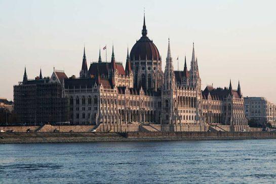 Здание Парламента в Будапеште