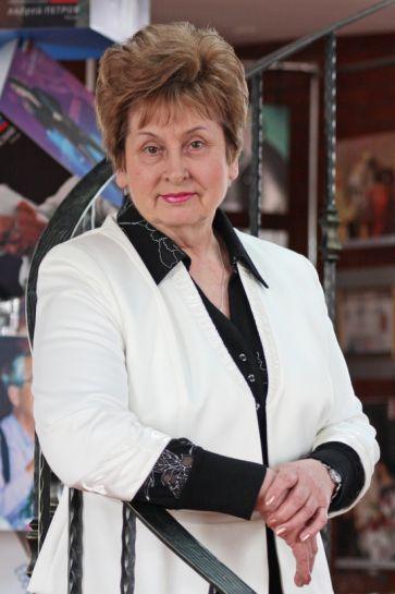 Анна Мезенко