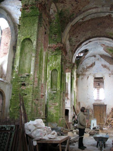 Костел-церковь в Островно