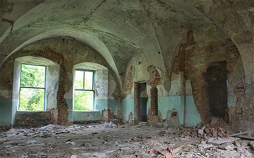 Остатки перекрытий дворца Сапегов