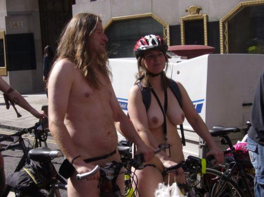 world-naked-bike-ride-london-2011-076