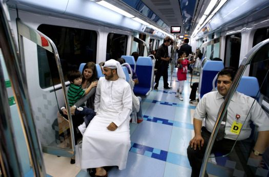 090910_dubai_metro2