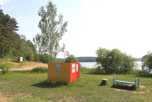 Раздевалки на озере Вяча