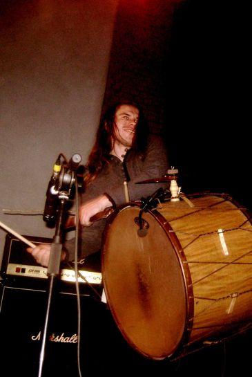 Андрей-Апанович---неистовый-барабанщик-группы-Стары-Ольса_1